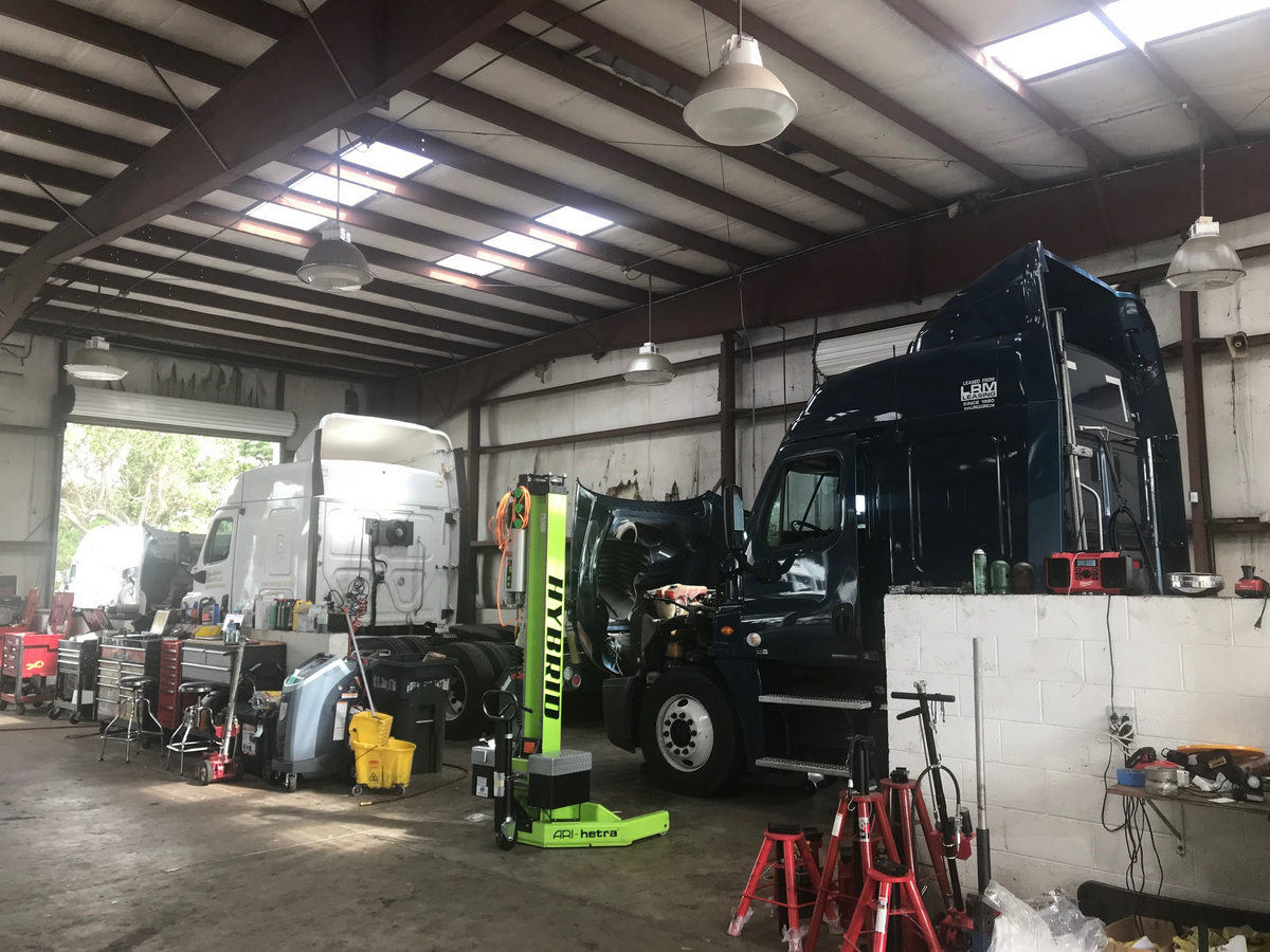 Best Diesel Engine Truck >> LRM Truck Repair (Pompano Beach, FL) on TruckDown